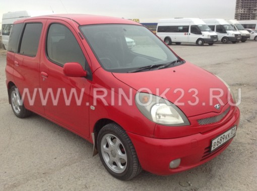 Toyota Funcargo 2001 Хетчбэк
