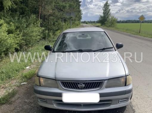 Nissan Sunny 2000 Седан Горячий ключ