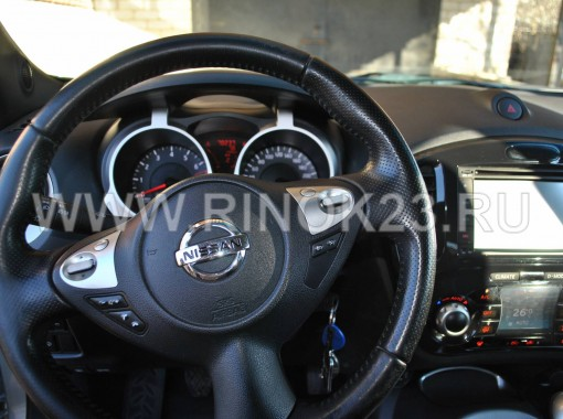 передняя панель с навигатором и мультируль - Nissan Juke 2012 г. бензин 1.6 МКПП