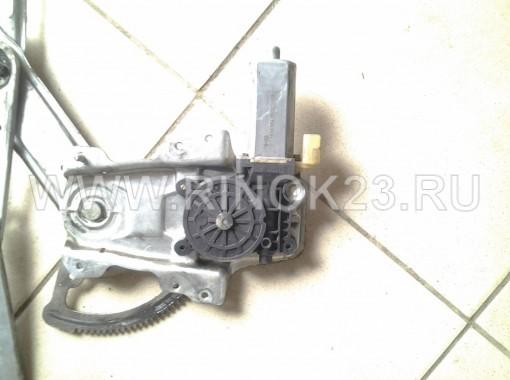 Мотор стеклоподъемника Bosch передний левый б.у на Mercedes-Benz, артикул: 0130821018