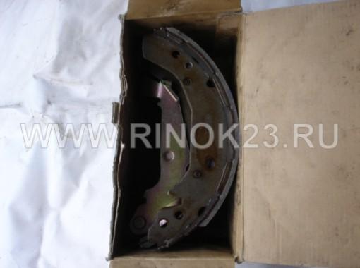 Колодки тормозные задние (барабанные) на Hyundai Sonata 5/Kia Magentis 2