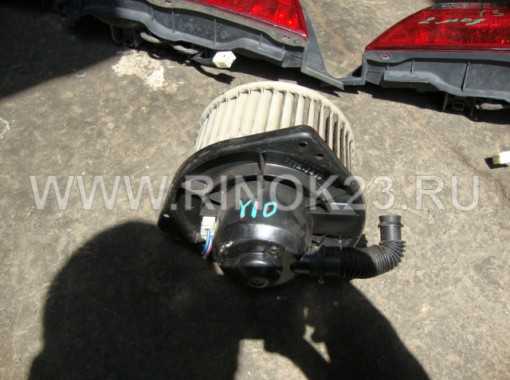 Моторчик печки б/у Nissan AD/Wingroad Y10
