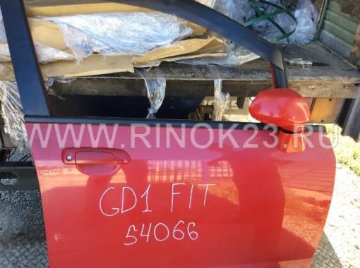 Дверь передняя правая б.у. на Honda Fit