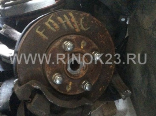 Цапфа, суппорт, диск тормозной б/у левая сторона Honda Fit gd1/gd2