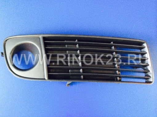 Решетка бампера правая Audi A6 1997-г
