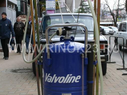 Профессиональное оборудование для Автохозяйств и СТО на 100л отработанного моторного масла,шесть щупов в комплекте, с дополнительным подкатным корытом под Автомобиль. ни капли масла на полу.Итальянского производителя .Упакую и отправлю в любой регион Транспортной компанией.
