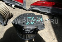 Моторчик печки б/у Nissan Serena TC24/TNC24