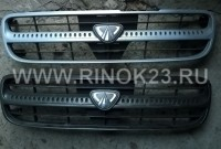 Решетки  радиатора Nissan Avenir- Expert  с 98-03 год Б\У Оригинал